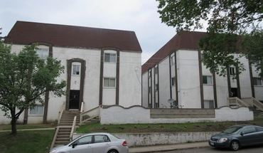 Similar Apartment at 42 50 W Oakland Ave