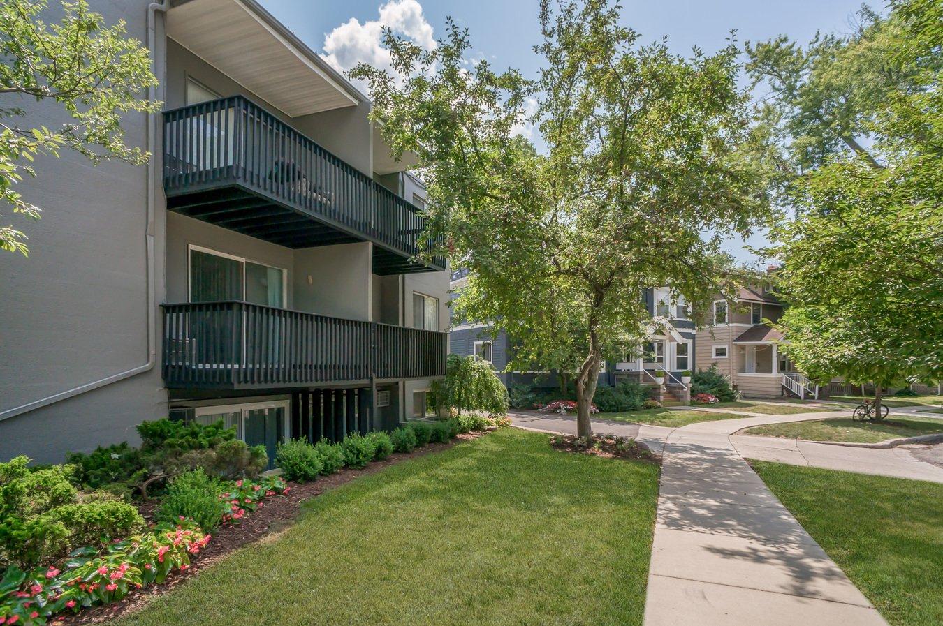 1 Bedroom 1 Bathroom Apartment for rent at 824 Mckinley Avenue in Ann Arbor, MI