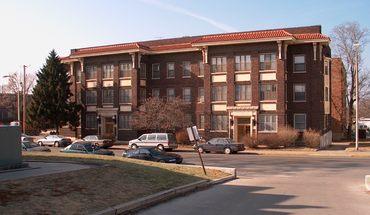 Dumas Building Apartment for rent in Columbia, MO