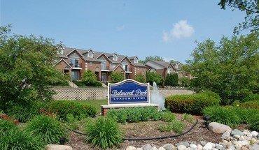 Similar Apartment At 144 W Oakbrook Dr