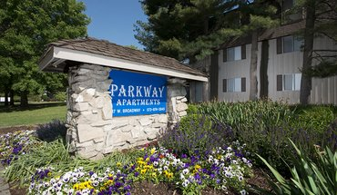 Parkway Apartments Apartment for rent in Columbia, MO