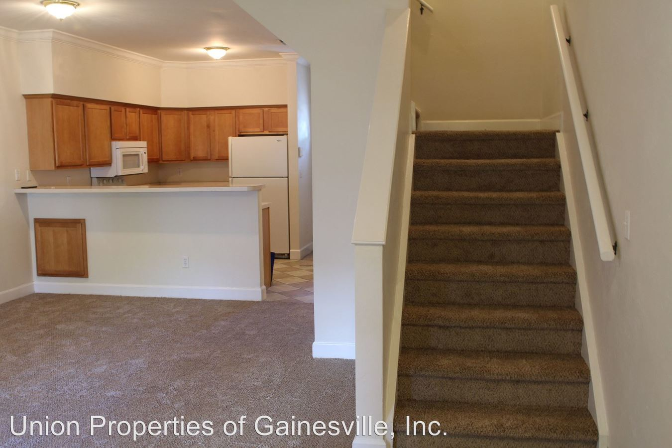 4 Bedrooms 4+ Bathrooms Apartment for rent at Woodbury Row in Gainesville, FL