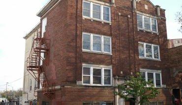 Similar Apartment at 445 W Gilman St
