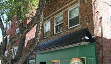 Similar Apartment at 453 W Gilman