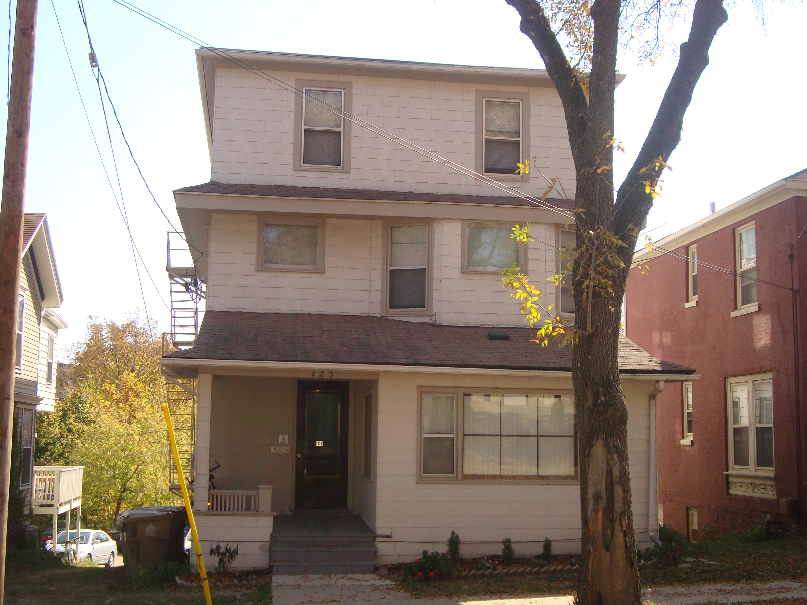 Apartments Near Wisconsin 125 E Gorham for Wisconsin Students in , WI