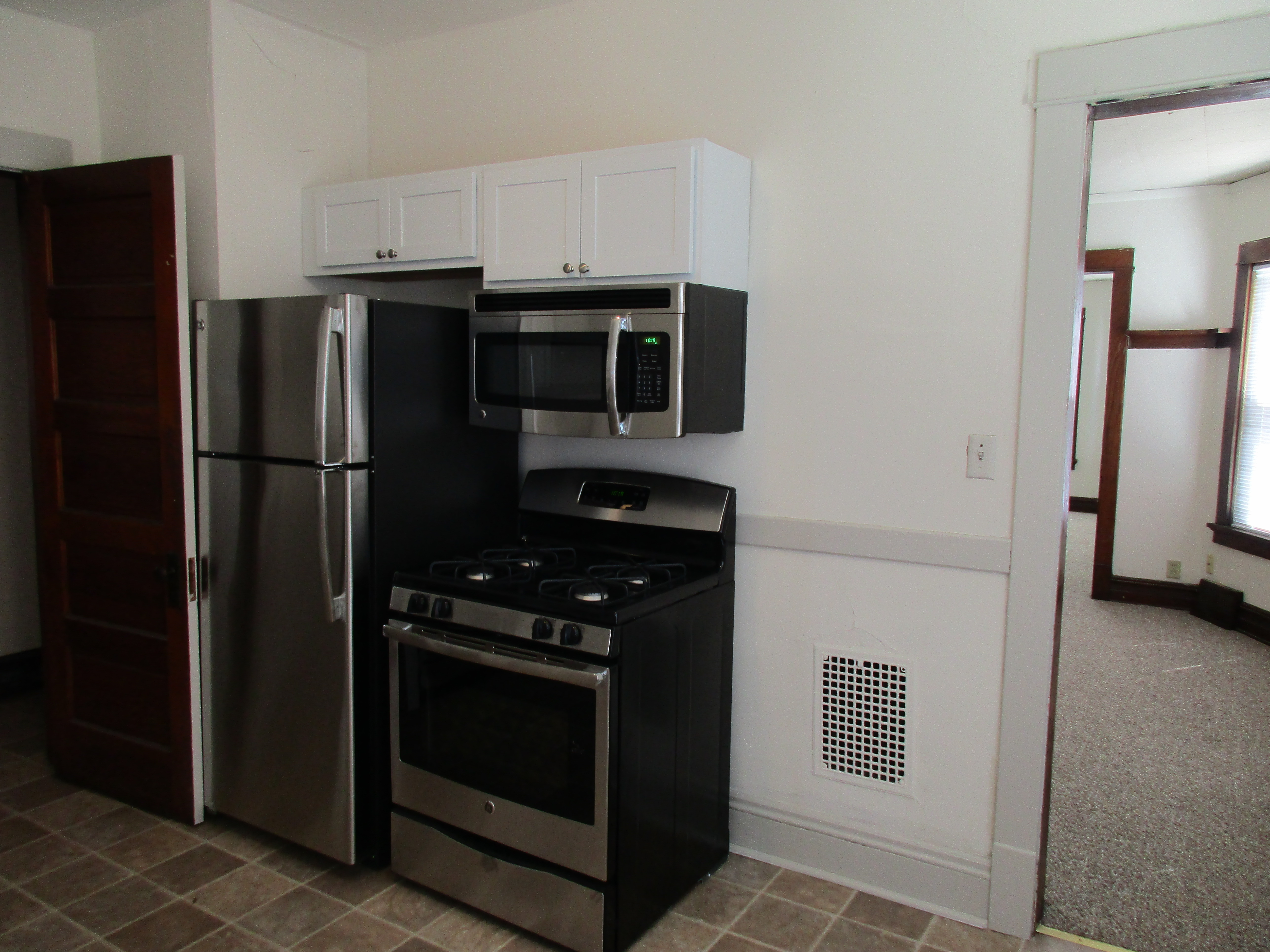 Apartments Near Edgewood 120-128 N Orchard Street for Edgewood College Students in Madison, WI
