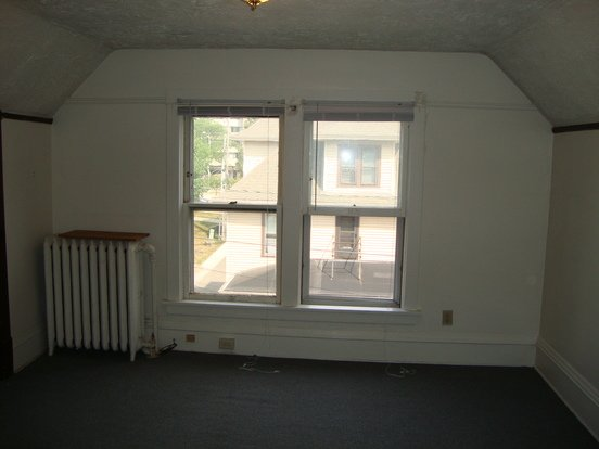 2 Bedrooms 1 Bathroom House for rent at 210 Bernard Ct in Madison, WI
