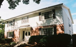 2 Bedrooms 1 Bathroom Apartment for rent at 2118 Kendall Ave in Madison, WI