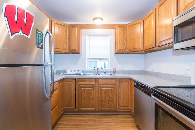 5 Bedrooms 3 Bathrooms Apartment for rent at 520 W Mifflin Street in Madison, WI