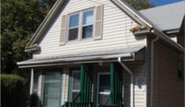 Similar Apartment at 914 W Dayton St