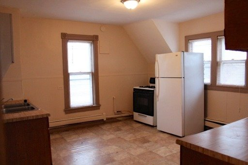 3 Bedrooms 1 Bathroom Apartment for rent at 2020 - 25th Ave N in Minneapolis, MN