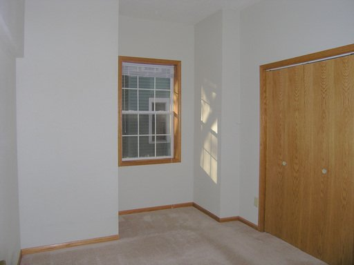 3 Bedrooms 1 Bathroom Apartment for rent at 4221 Colfax Avenue N in Minneapolis, MN