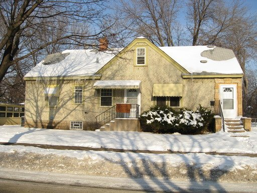 2 Bedrooms 1 Bathroom Apartment for rent at 4001 Bryant Avenue N in Minneapolis, MN
