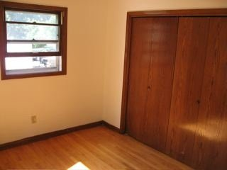 2 Bedrooms 1 Bathroom Apartment for rent at 205-209 Sunnymeade Lane in Madison, WI