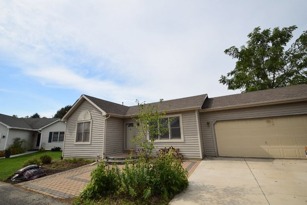 2 Bedrooms 2 Bathrooms House for rent at 3045 Artesian Ln in Madison, WI