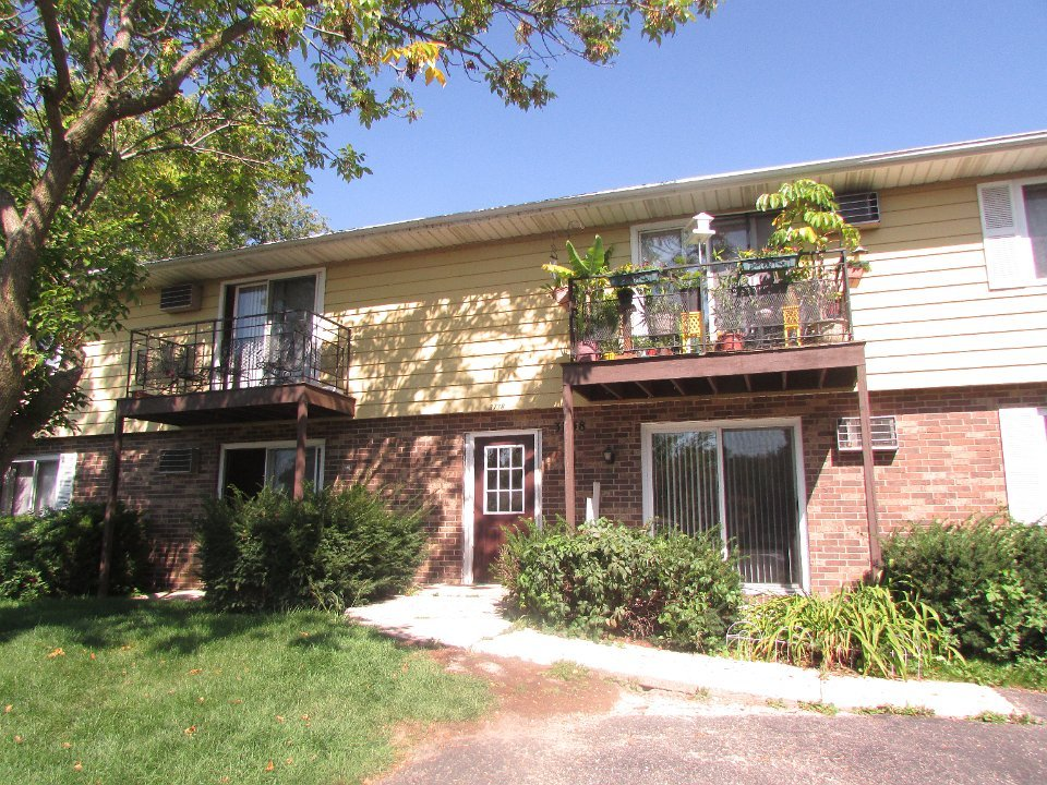1 Bedroom 1 Bathroom Apartment for rent at 3738 W Karstens Dr in Madison, WI