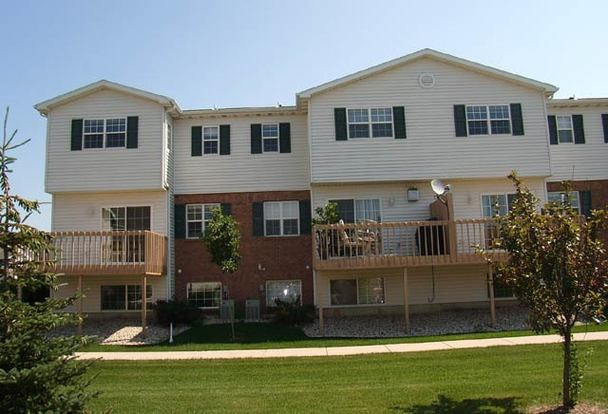 2 Bedrooms 2 Bathrooms House for rent at 6760 Pima Drive in Madison, WI