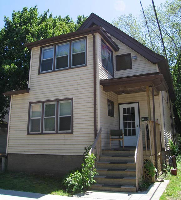 6 Bedrooms 2 Bathrooms House for rent at 1111 Bowen Ct in Madison, WI