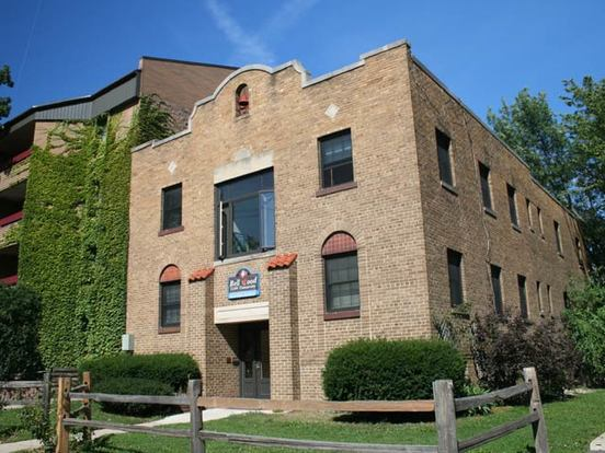 2 Bedrooms 1 Bathroom Apartment for rent at 2104 University Ave in Madison, WI