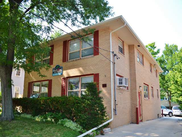 2 Bedrooms 1 Bathroom Apartment for rent at 2212 Regent St in Madison, WI