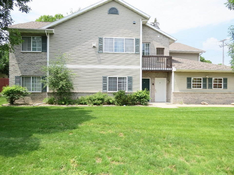 2 Bedrooms 2 Bathrooms Apartment for rent at 3330 Leopold Way in Fitchburg, WI