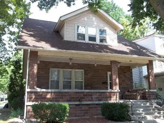 6 Bedrooms 2 Bathrooms House for rent at 901 Oakland Ave in Madison, WI