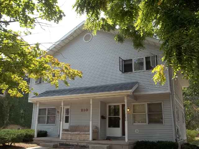 4 Bedrooms 2 Bathrooms Apartment for rent at 210 S Mills St in Madison, WI