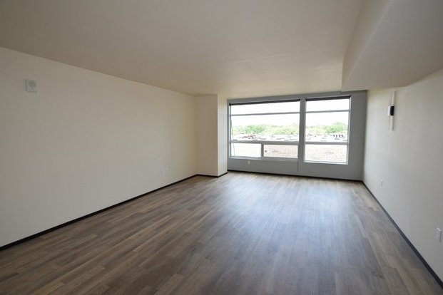 Studio 1 Bathroom Apartment for rent at 822 E Washington Ave in Madison, WI