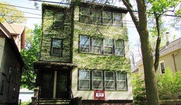 Similar Apartment at 1025 Jenifer St
