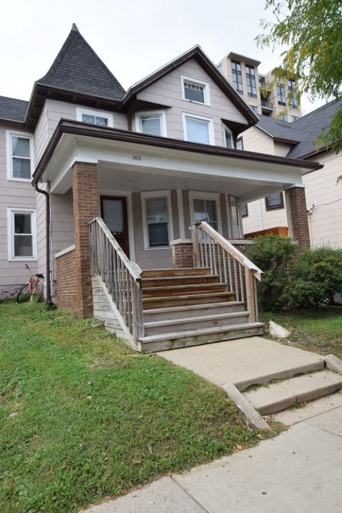 4 Bedrooms 2 Bathrooms House for rent at 308 N Broom St in Madison, WI