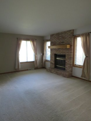 2 Bedrooms 1 Bathroom House for rent at 6931 Raymond Road in Madison, WI