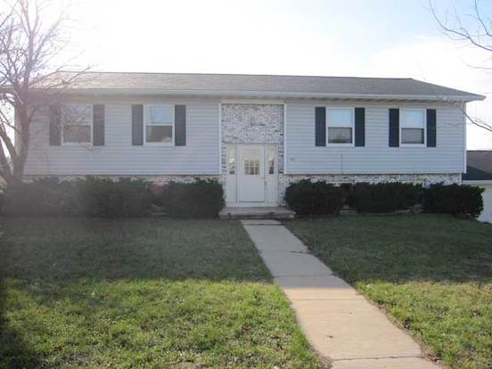 2 Bedrooms 1 Bathroom Apartment for rent at 301 W Garfield St in Mt Horeb, WI