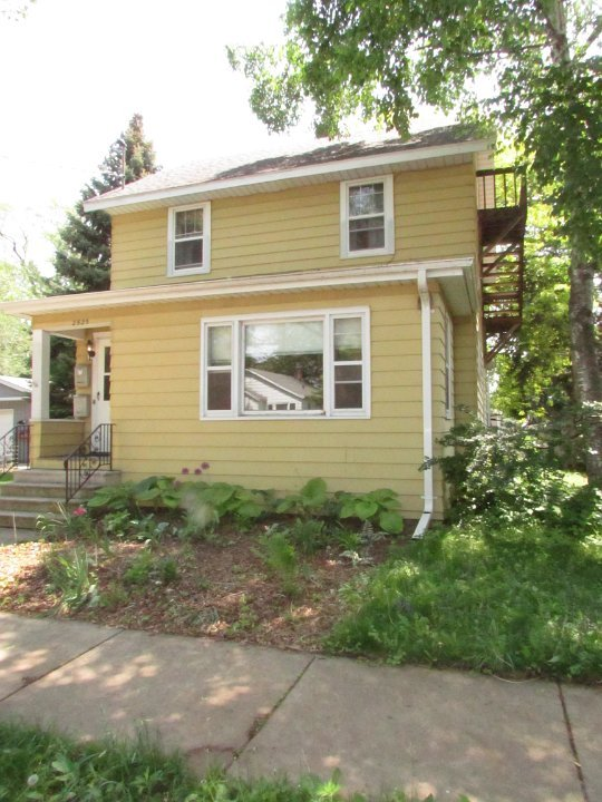 2 Bedrooms 1 Bathroom Apartment for rent at 2525 E Dayton St in Madison, W