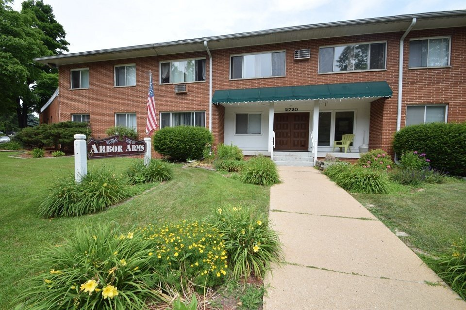 2 Bedrooms 1 Bathroom Apartment for rent at Arbor Arms in Madison, WI