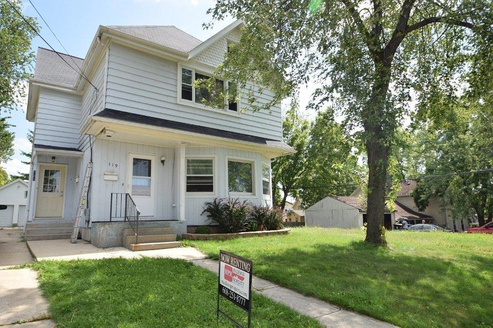 119 121 Vine St Sun Prairie Wi House For Rent