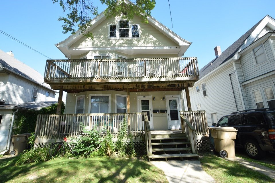 3 Bedrooms 1 Bathroom Apartment for rent at 1228 Mound St in Madison, WI
