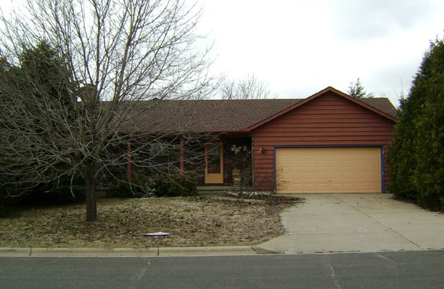3 Bedrooms 2 Bathrooms House for rent at 612 Maple Drive in Mount Horeb, WI