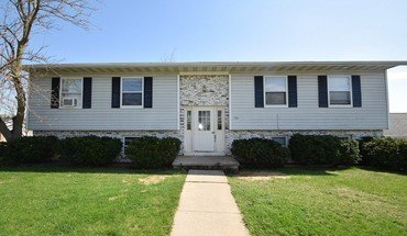 301 W Garfield St Apartment for rent in Mt Horeb, WI