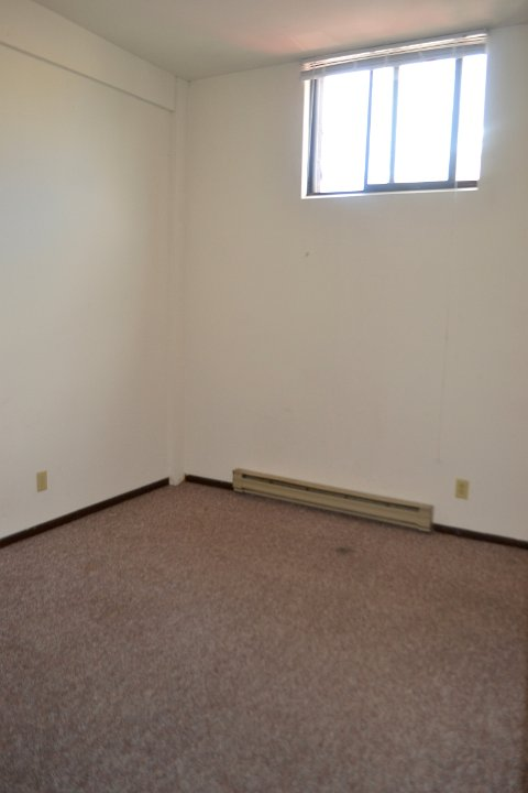 3 Bedrooms 1 Bathroom Apartment for rent at 6 N Charter St in Madison, WI