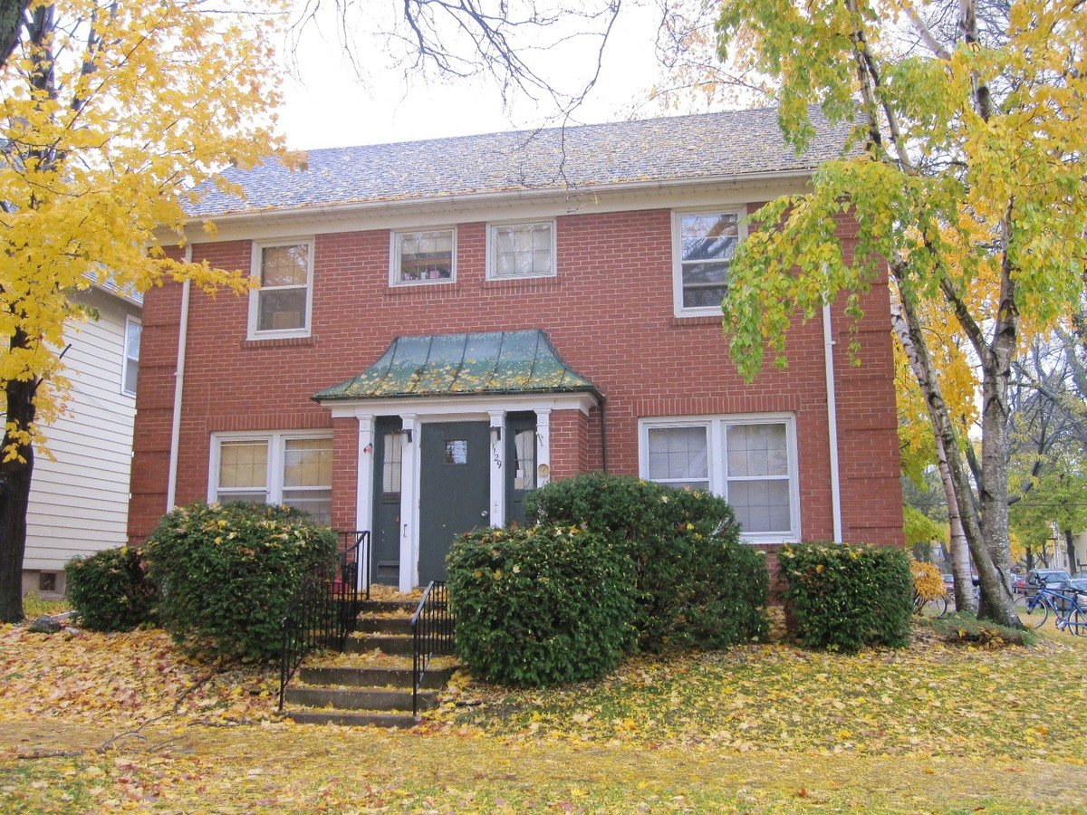 5 Bedrooms 1 Bathroom Apartment for rent at 1129 Mound St in Madison, WI