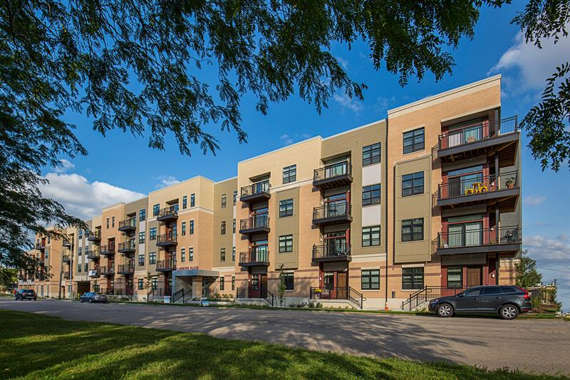 3 Bedrooms 3 Bathrooms Apartment for rent at Mckenzie Place in Madison, WI