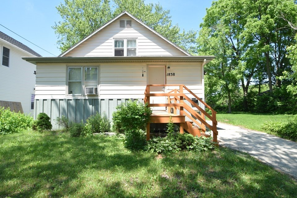2 Bedrooms 1 Bathroom House for rent at 1838 Spohn Ave in Madison, WI