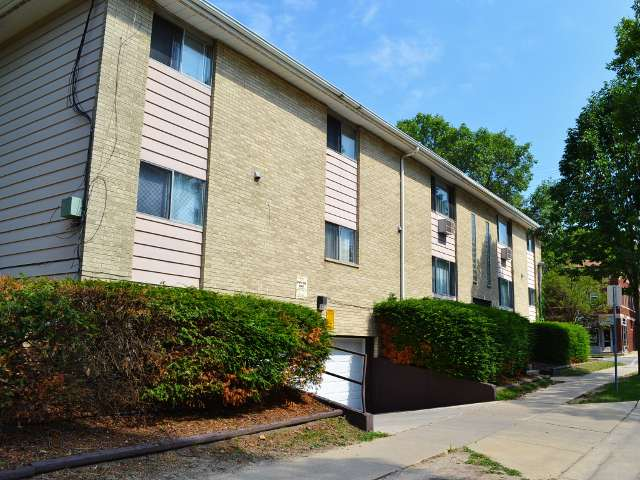 1 Bedroom 1 Bathroom Apartment for rent at 401 Chamberlain Ave in Madison, WI
