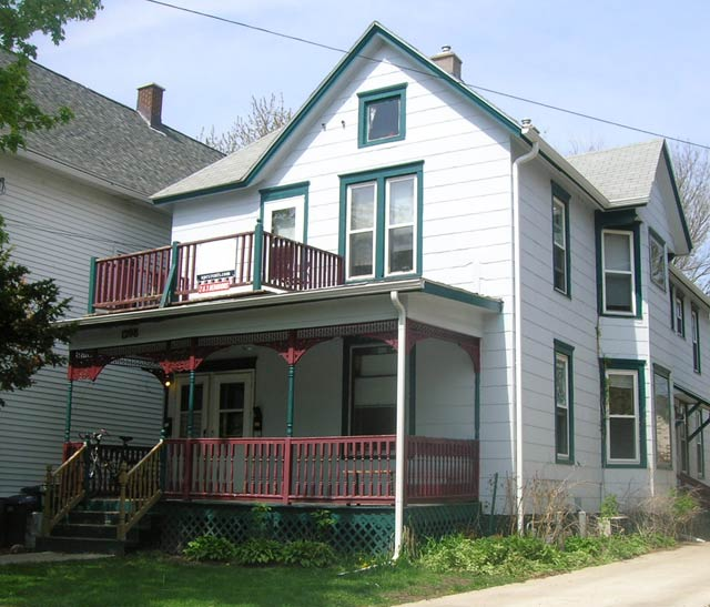 3 Bedrooms 1 Bathroom Apartment for rent at 1208 Jenifer St in Madison, WI