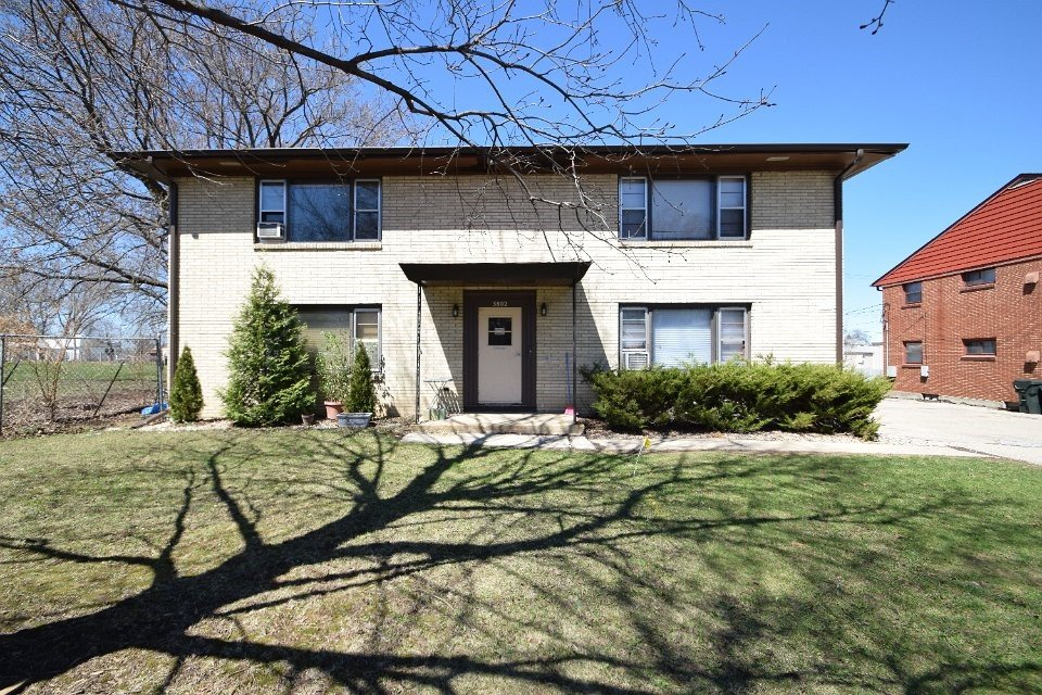 2 Bedrooms 1 Bathroom Apartment for rent at 3802 Hoover Dr in Madison, WI