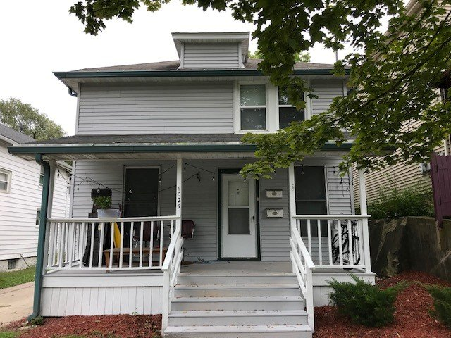 3 Bedrooms 1 Bathroom Apartment for rent at 1025 E Gorham St in Madison, WI