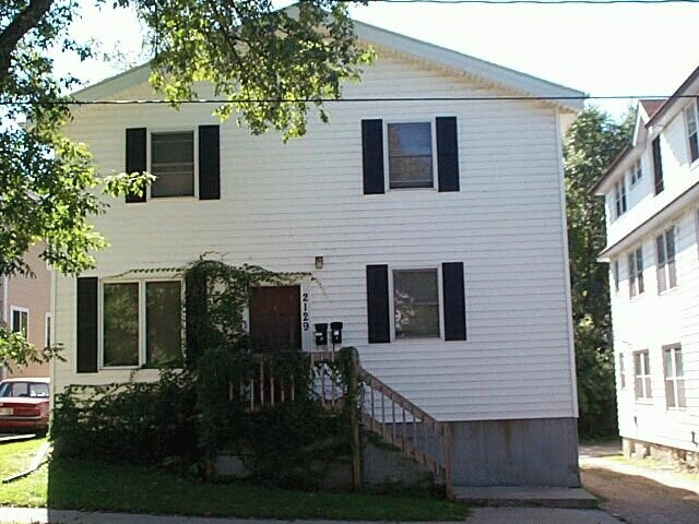 3 Bedrooms 2 Bathrooms House for rent at 2129 Center Ave in Madison, WI