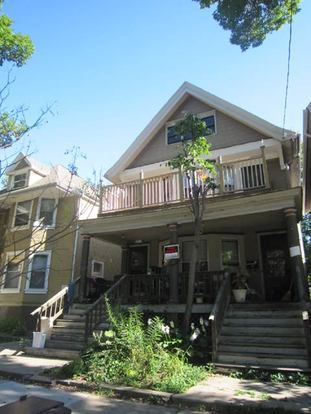 2 Bedrooms 1 Bathroom House for rent at 125 N Franklin St in Madison, WI