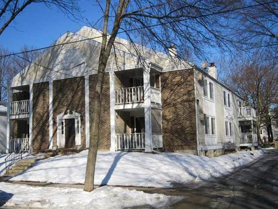 2 Bedrooms 1 Bathroom Apartment for rent at 137 N Franklin St in Madison, WI
