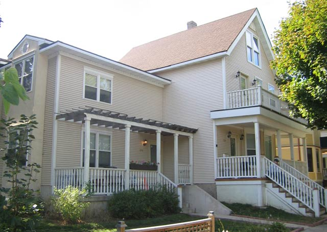 5 Bedrooms 2 Bathrooms House for rent at 208 N Livingston St in Madison, WI